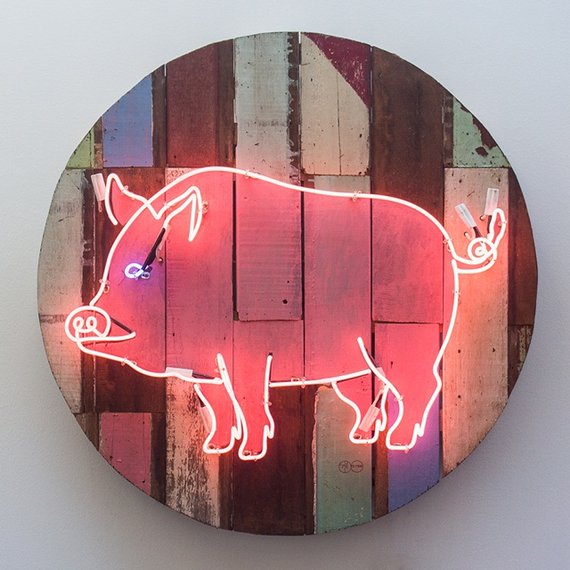 Pig, 2015-2016, Acrylic and neon light on wooden panel, Diameter 100 cm.