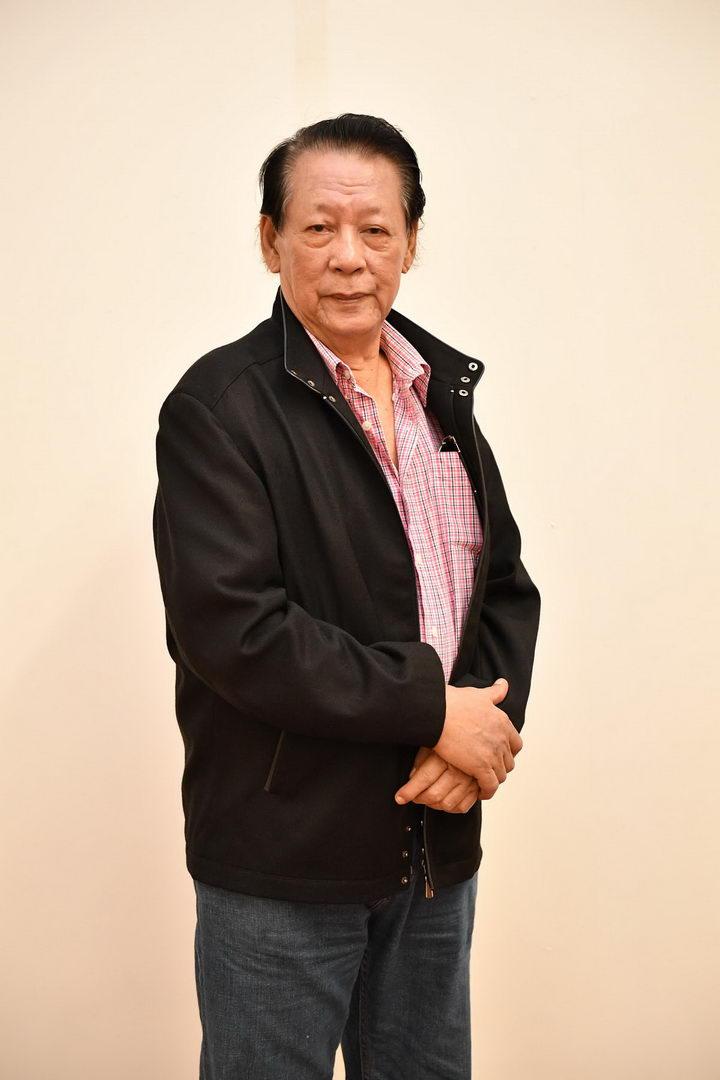 ศาสตราจารย์กิตติคุณกำจร สุนพงษ์ศรี ประธานกรรมการการประกวดจิตรกรรมร่วมสมัย พานาโซนิค ครั้งที่ 18